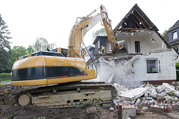 Bulldoze and Build new VS. Remodel – Which is better?