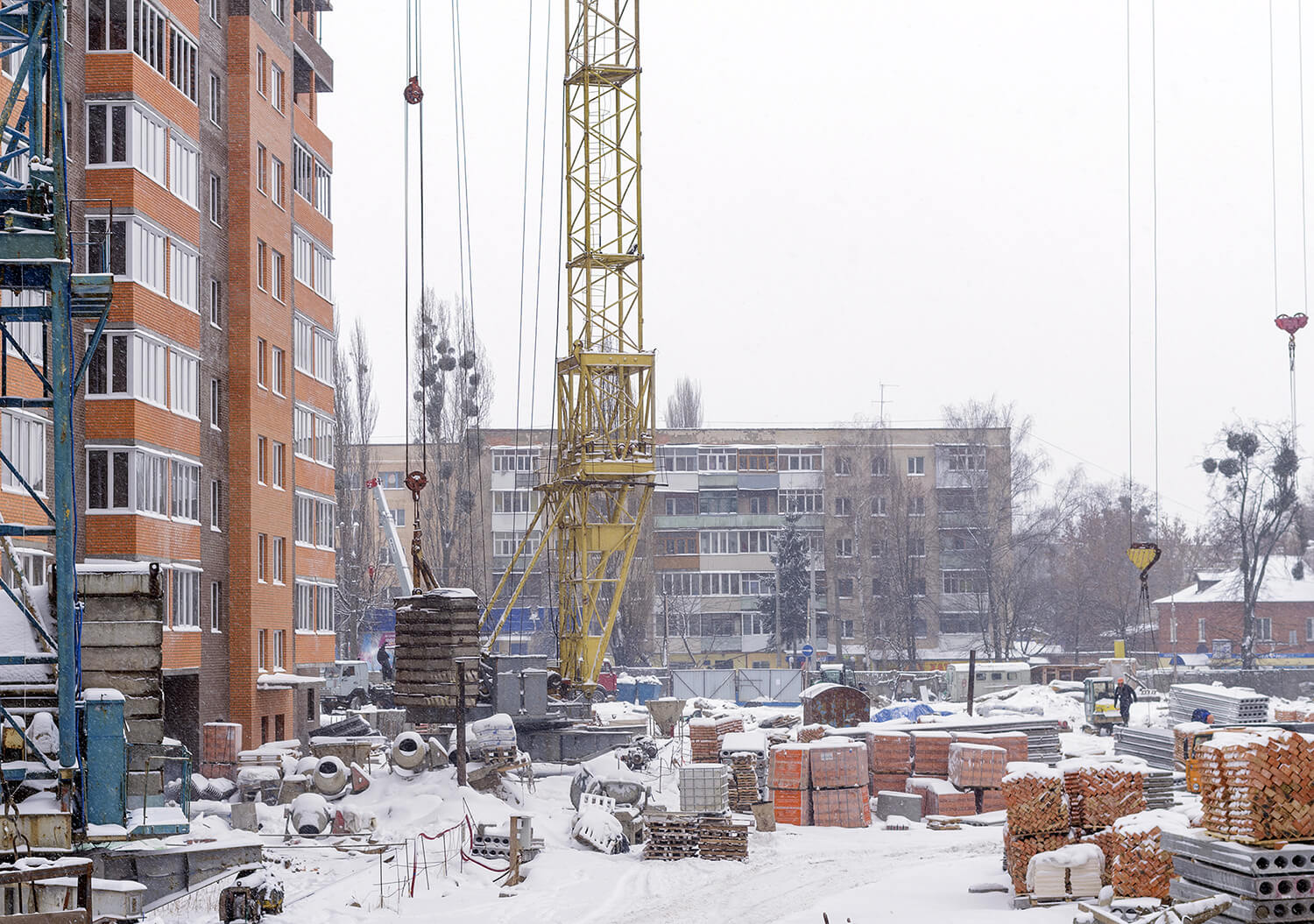 How do Freezing Temperatures Affect Construction?